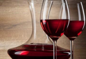 睡前喝红酒能助眠?